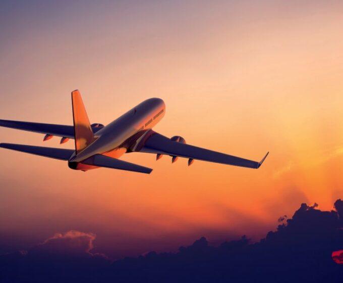 romantic-travel-airplane